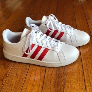 Women's ADIDAS Advantage Sneaker Red Stripe Size 8